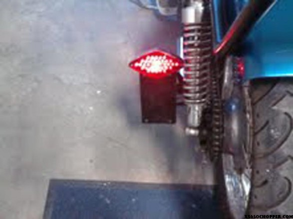 xs650-chop-noid-tail_light